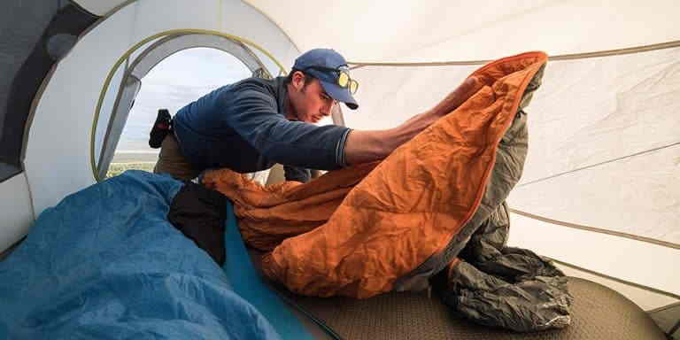 How to Pack a Tent and Sleeping Bag for Backpacking