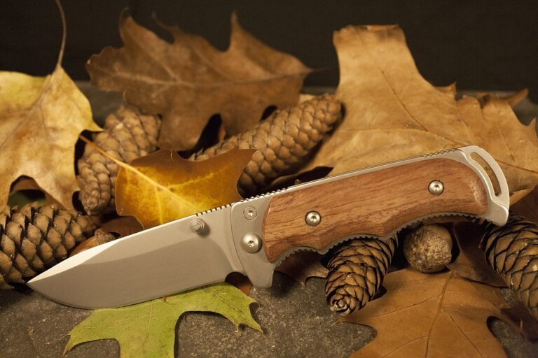 Top Knives and Tools for Hunting Outdoors in 2021