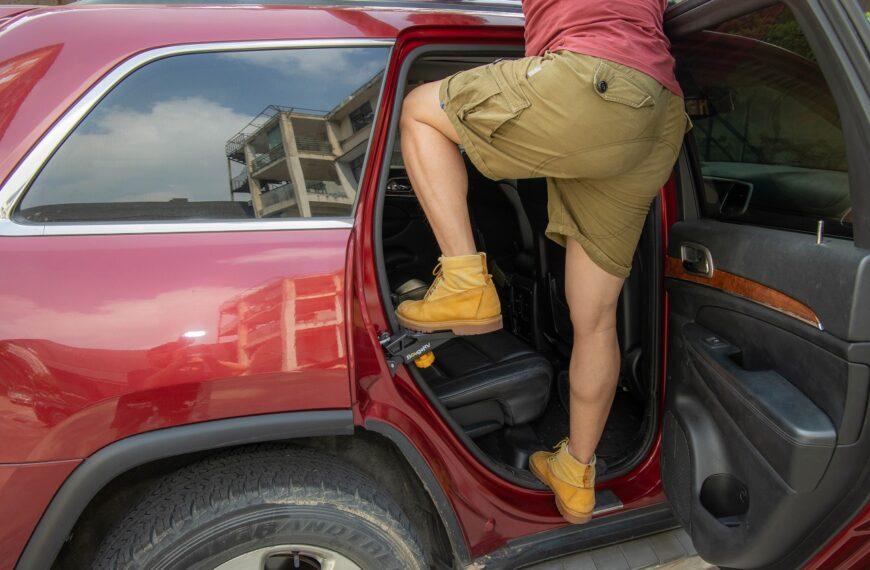 BougeRV Car Door Step Review – Best Universal Rooftop Doorstep
